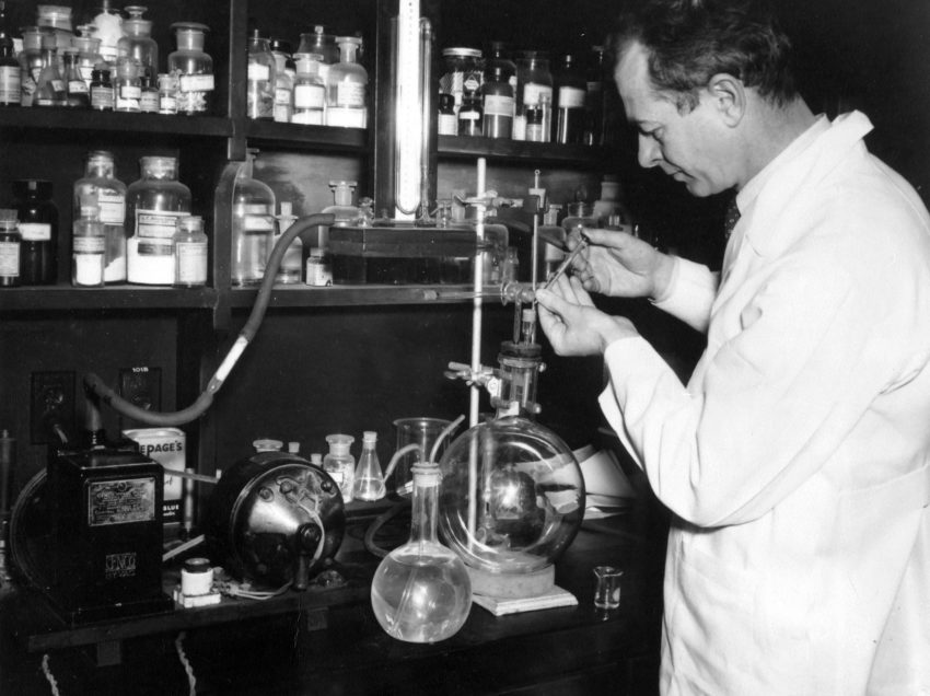 15 List of Chemists – Biography – Invention – Discovery