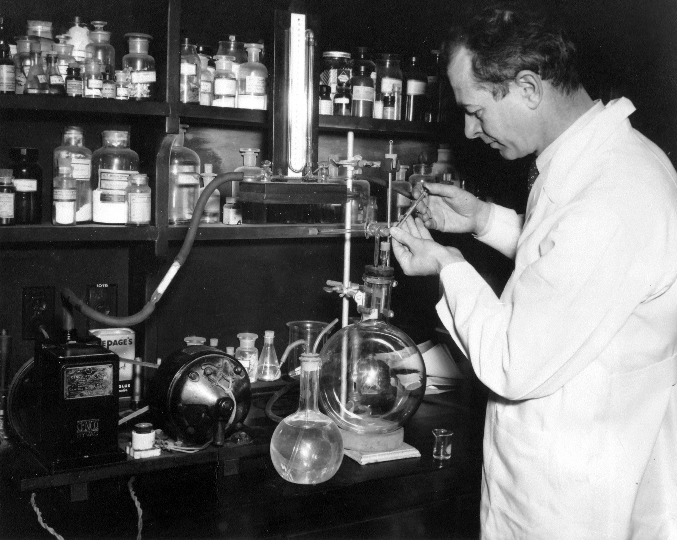 15 List Of Chemists Biography Invention Discovery